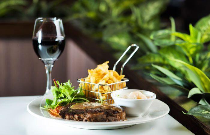 Bayside-Restaurant-Dining